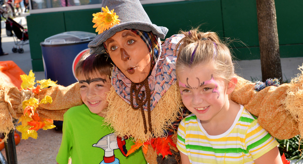 Scarecrow and kids